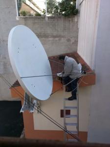 Instalación y orientación de antena parabólica a satélite Telstar 12, Valencia
